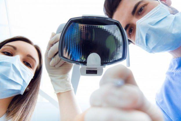 Dentistas en Alcalá de Henares. Limpieza dental profesional