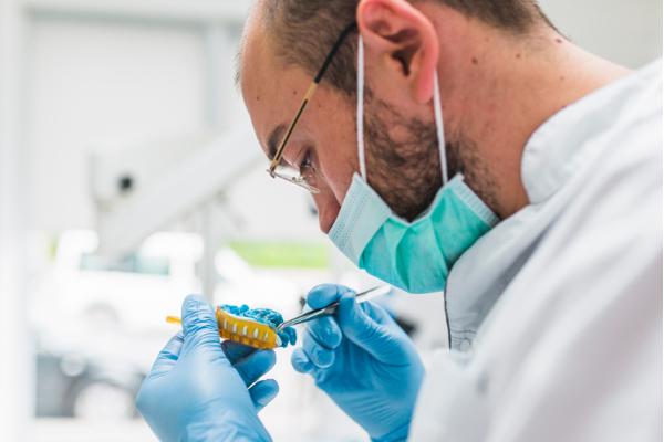 Tecnología 3D para implantes dentales